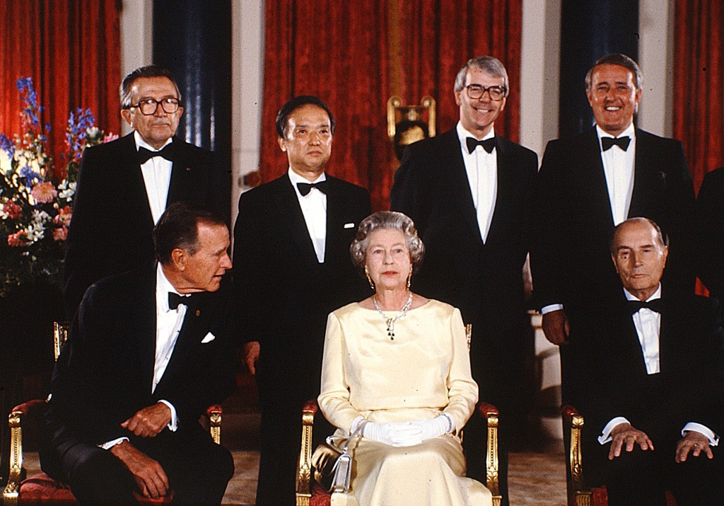 US President George Bush appears to be ignored by the Queen at The 17th G7 Summit was held in London, England, United Kingdom between July 15 to 17, 1991. The venue for the summit meetings was Lancaster House in London. Peter Bregg